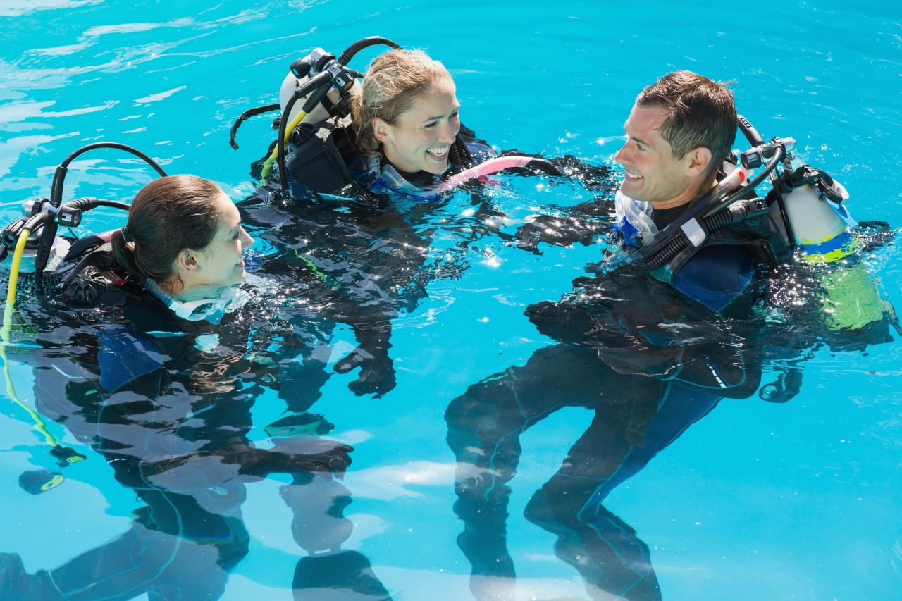 Photo of PADI Worldwide Open Water Referral Program diving course.
