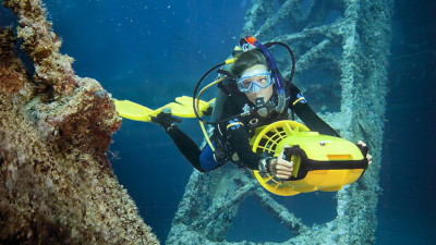 Photo of Diver Propulsion Vehicle (DPV) diving course.